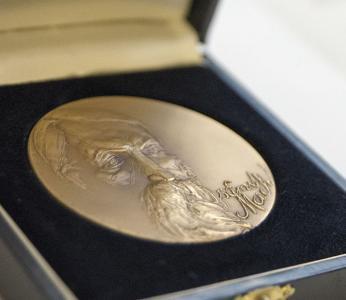 Karel Šimek obdržel čestnou oborovou medaili G. J. Mendela